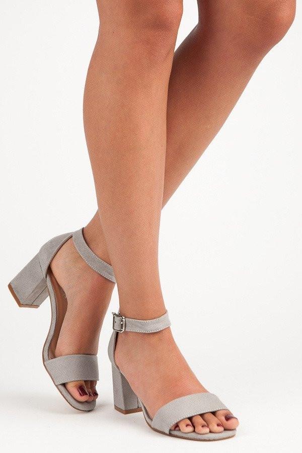 7f22f19570 Originálne sandále strieborné dámske na širokom podpätku - Dámske ...