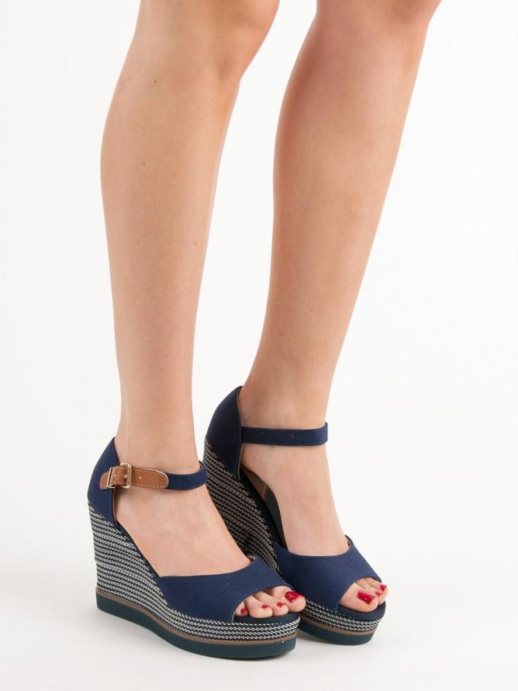 58caf106e99b Pohodlné sandále dámske - Dámske sandále - Locca.sk