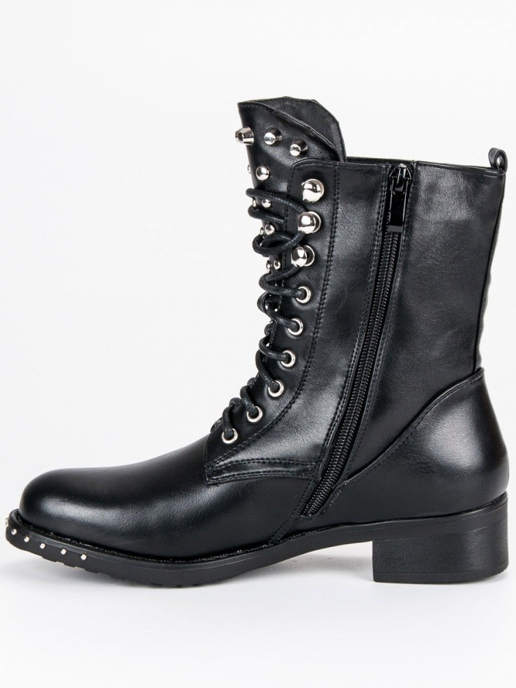 34b2fb0f45e0 Rockové čierne workery so cvokmi - Dámske topánky - Locca.sk