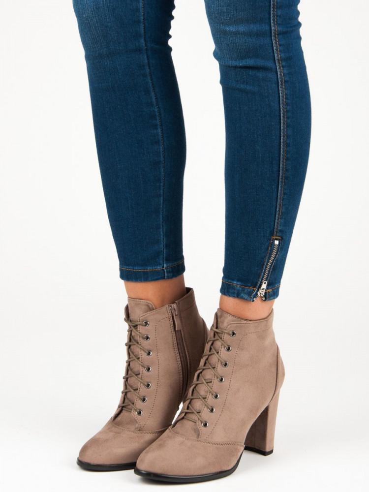 9448f85ac7bf Šnurovacie béžové členkové topánky na podpätku - Dámske topánky ...