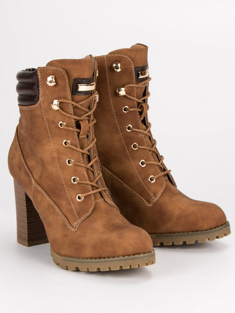 ef4b6768e4136 Šnurovacie hnedé členkové topánky na podpätku - Dámske topánky ...