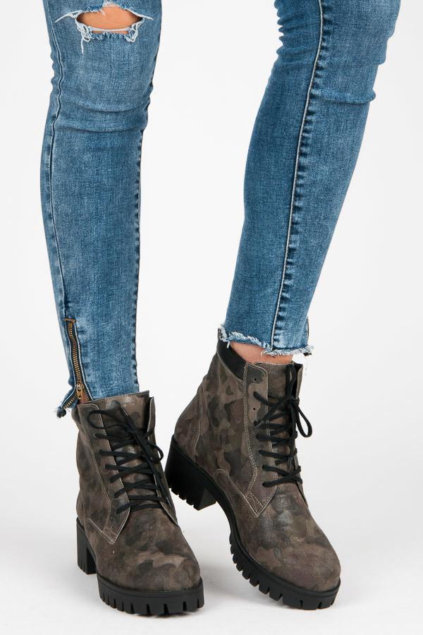 42603942e4f0 Zelené členkové topánky - vojenský dizajn - Dámske topánky - Locca.sk