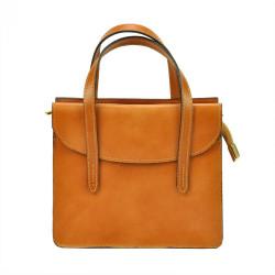 Kožená camel hnedá crossbody kabelka do ruky v minimalistickom dizajne Gregorio