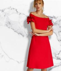 APART šaty s odhalenými ramenami, červená