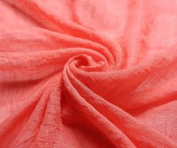 Dlhý šál lemovaný strapcami - koralová