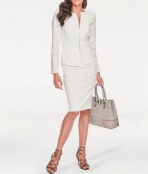 Elegantný biely kostým