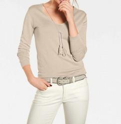 Jemný pletený sveter so strapcami, piesková