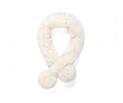 Kožušinový šálik s brmbolcami - biela