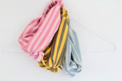 Pruhované čelenky v pastelovej farbe