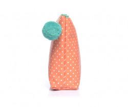 Väčšia kozmetická taštička bodkovaná s brmbolcom, oranžová #1