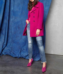 Vlnený kabát s kontrastnými gombíkmi, cyklamenový