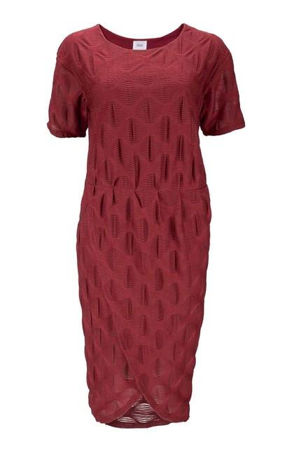 Atraktívne šaty s 3D vzorom, bordová