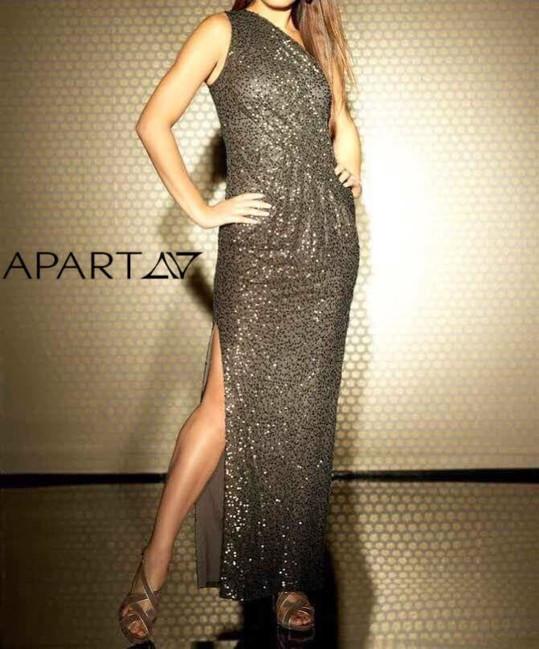 ae8f801564b5 Extravagantné šaty s flitrami APART - Spoločenské