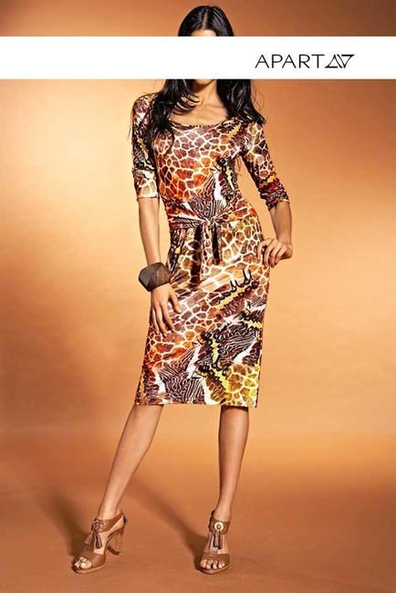 b177421d1b47 Extravagantné šaty s potlačou APART - Dámske letné šaty - Locca.sk