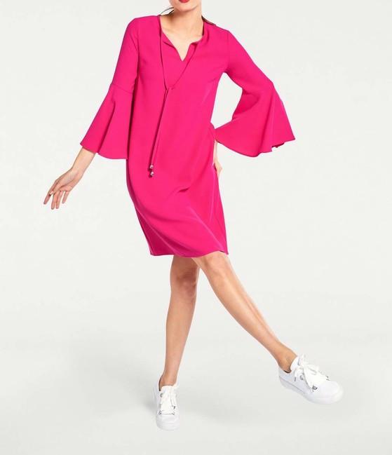 Šaty volánovými rukávmi v 3/4 dĺžke, ružová